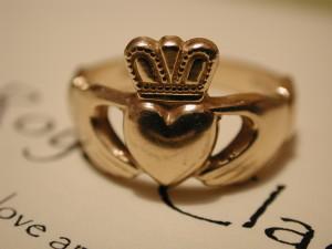 Typický prsten Claddagh