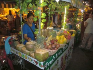 Stánek s ovocnými džusy v Siem Reap