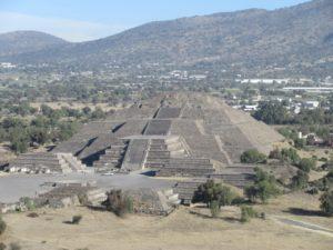 Pyramida slunce v Teotihuacánu